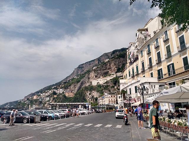 parada-de-bus-en-amalfi